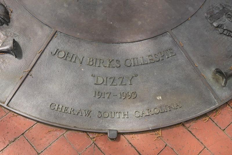 """""""Dizzy"""" Gillespie Statue 4"""