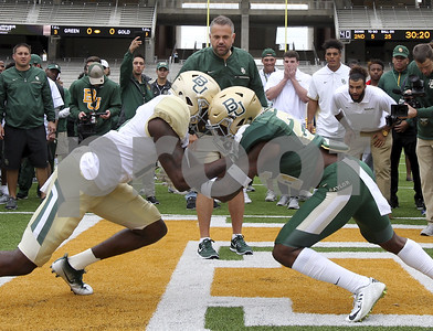 baylor-shows-different-offense
