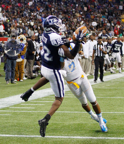 Zack Pendleton couldn't hold on to this pass but Southern was called for a pass interference that kept the drive going in overtime. (Charles A. Smith/For the Clarion Ledger)