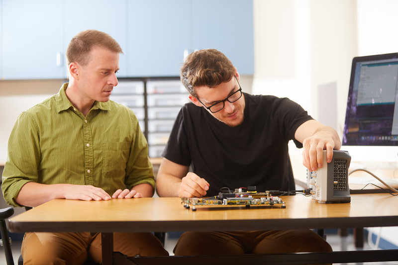 2019 UWL Elliot Forbes Laik Ruetten Computer Engineering Lab 0122.jpg