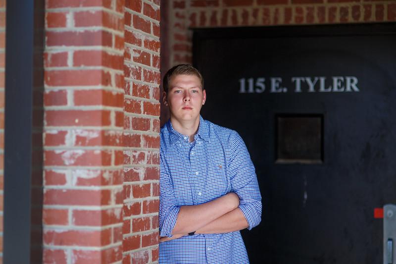 Senior Tyler A. 2017 (39).jpg