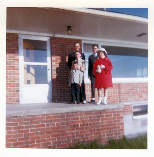 1963 Easter  Doc, Butch, Cork Teri and Kris.jpeg