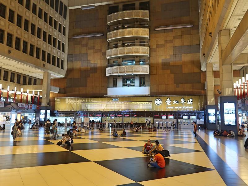 IMG_9000-station-hall.jpg
