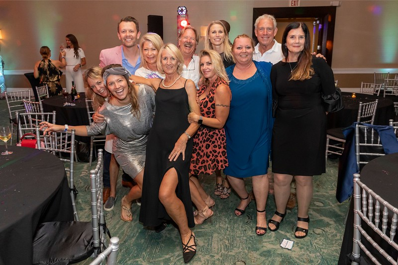 2019_11_Yachtail_Party_00860.jpg