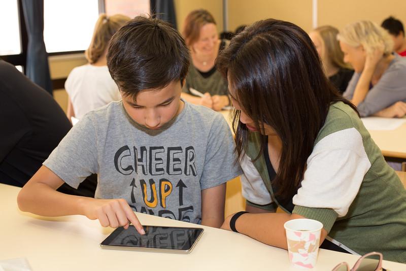 Grade 7 iPad Rollout-4.jpg
