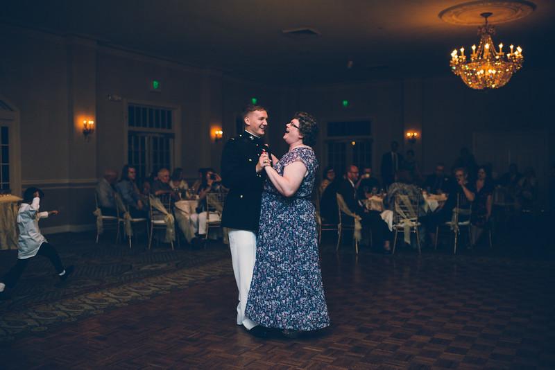Philadelphia Wedding Photographer - Bernreuther-651.jpg