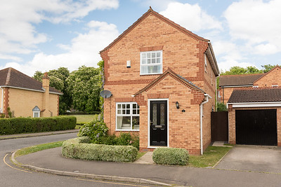 1 Lodge Close Huntingdon