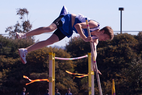 Josh Pole Vaulting vs Del Norte - 2012-03-21