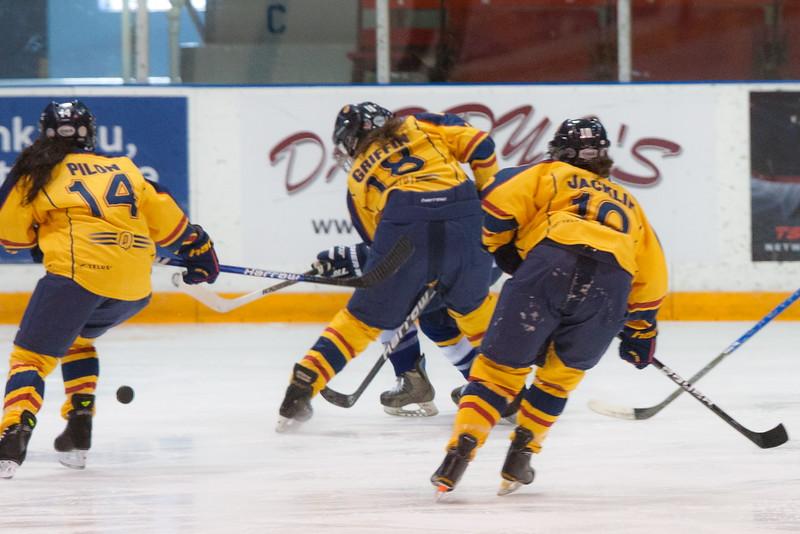 20130310 QWHockeyvsUBC 162.jpg