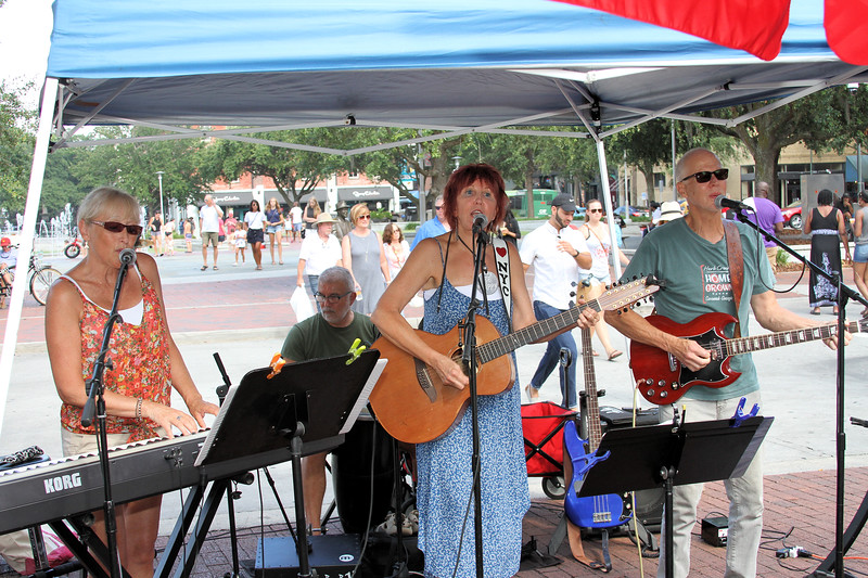 Sassy Cats and The Toms at City Market in Savannah