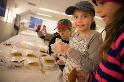 Making Meals for CityHarvest