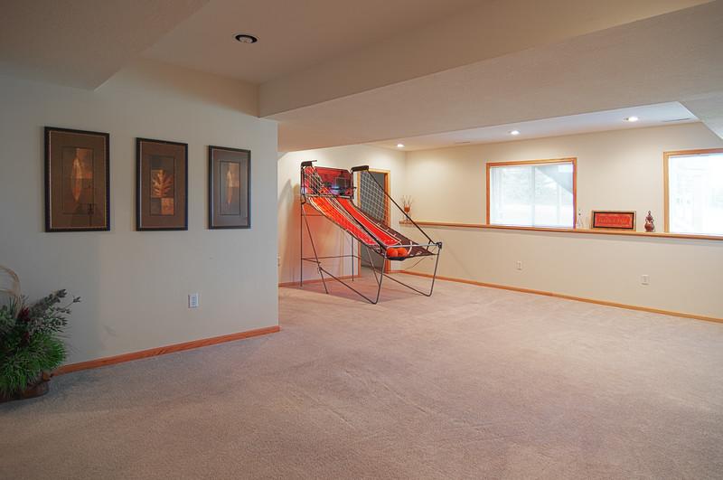 familyroom 2.jpg