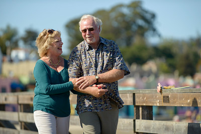 6512_d800b_Michael_and_Rebecca_Capitola_Wharf_Couples_Photography