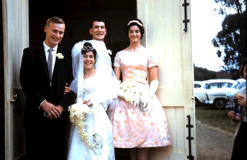 1961-8-19 (19) Graham, Mary, Nigel & Elaine.JPG
