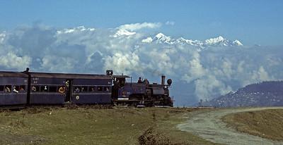 Darjeeling Himalayan Railway 4: Darjeeling - Ghum
