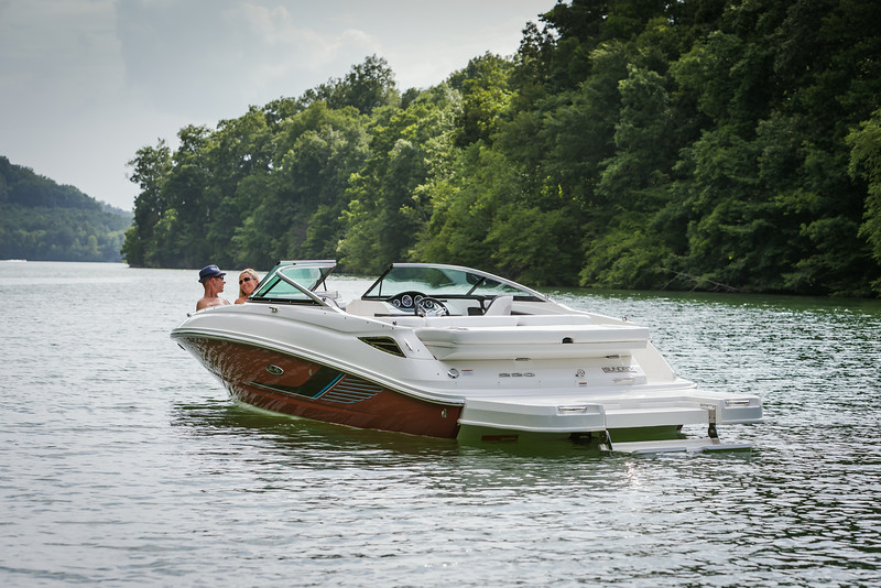 2015-SeaRay-220SD-2-73.jpg