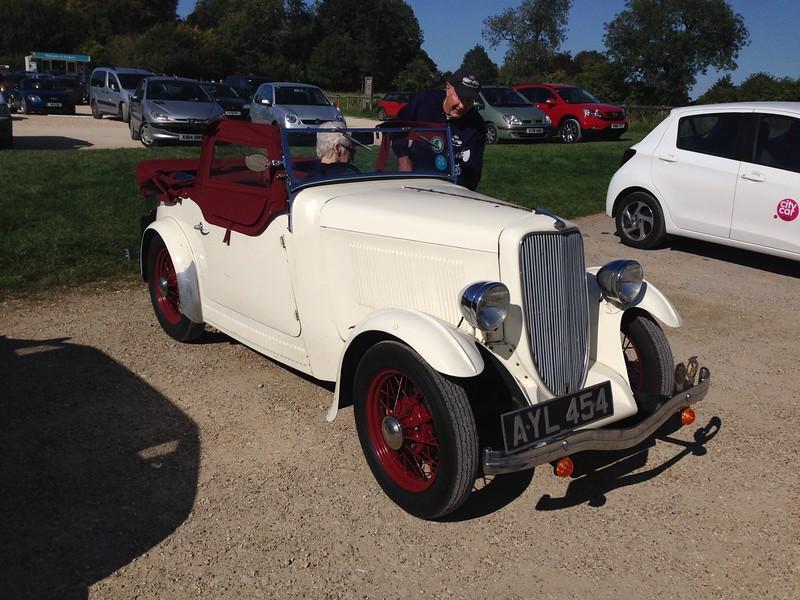 Johns car in the car park at Avbury