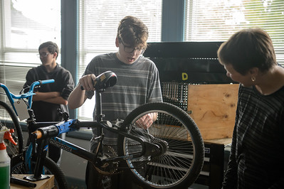 190918 Del Valle High School Bike Repair Program