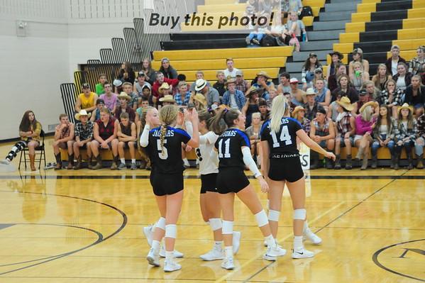 BBE volleyball at NLS 09-10