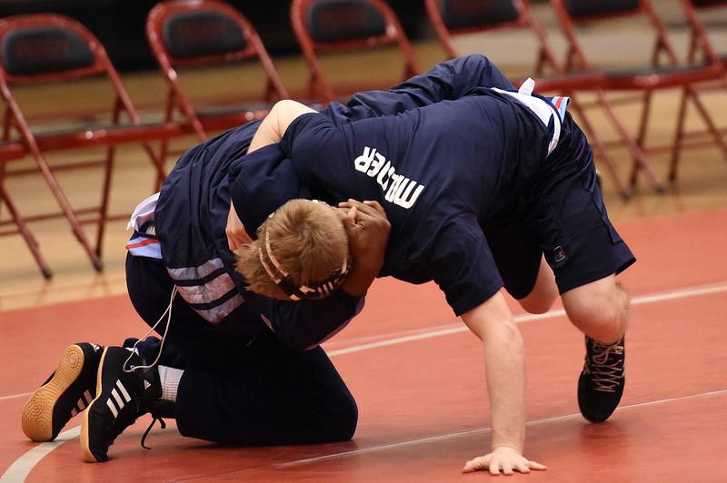 wrestling_9948.jpg