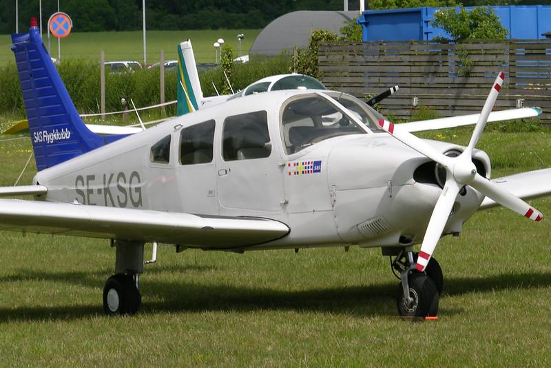 SE-KSG-PiperPA-28-181ArcherII-SASFlygklubb-EKAH-2005-06-09-DSCN1655-KBVPCollection.JPG