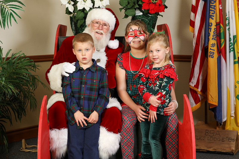 TBTP 2019 Photos with Santa-108.JPG