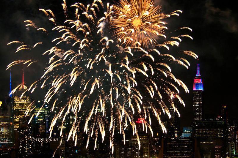 July 4_Macy Fireworks_1189.jpg