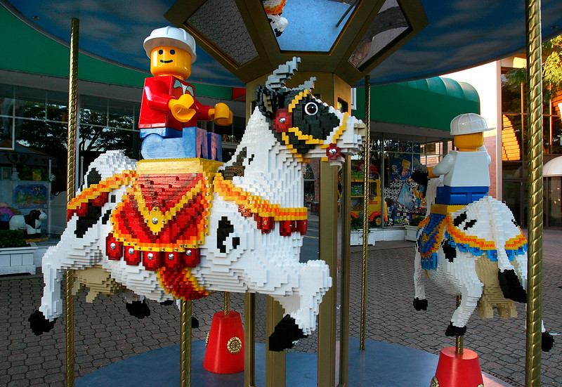 LEGO Cow-A-Sel of Imagination - B - WH003.jpg