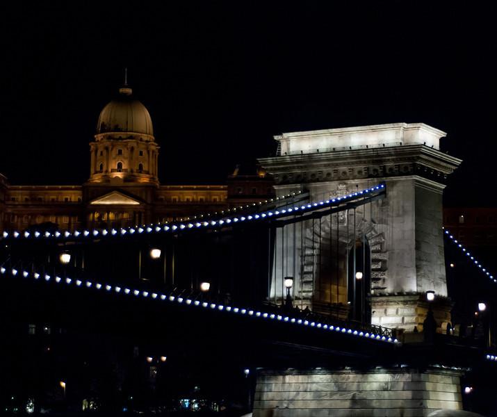 Chain Bridge and Buda Palace - Night Cruise