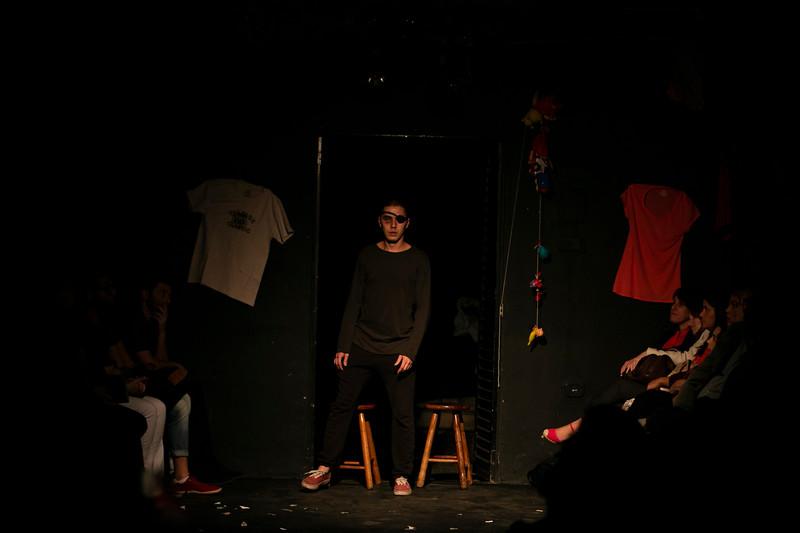 Allan Bravos - Fotografia de Teatro - Indac - Migraaaantes-288.jpg