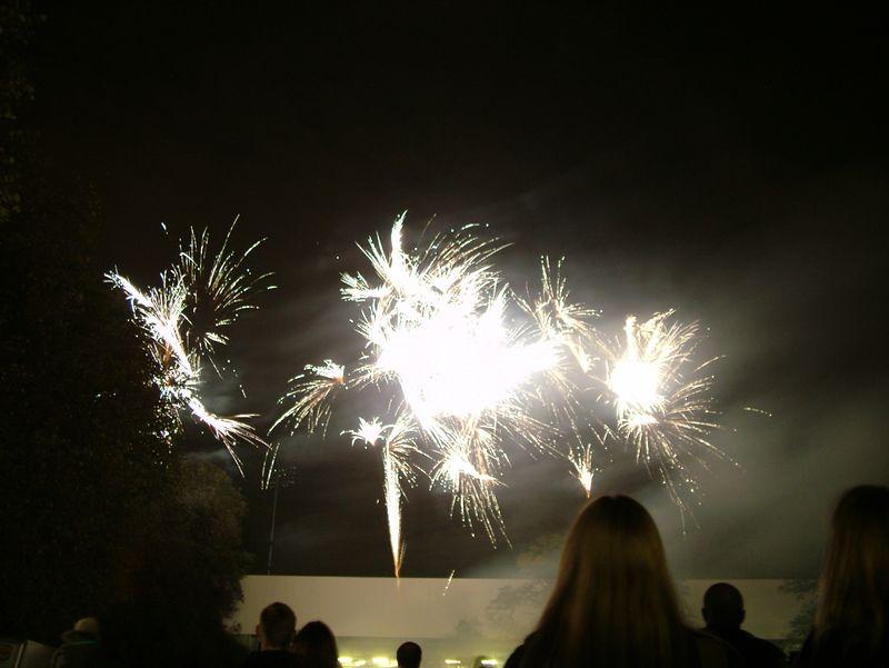 2004_1105putneyfireworks20014.JPG