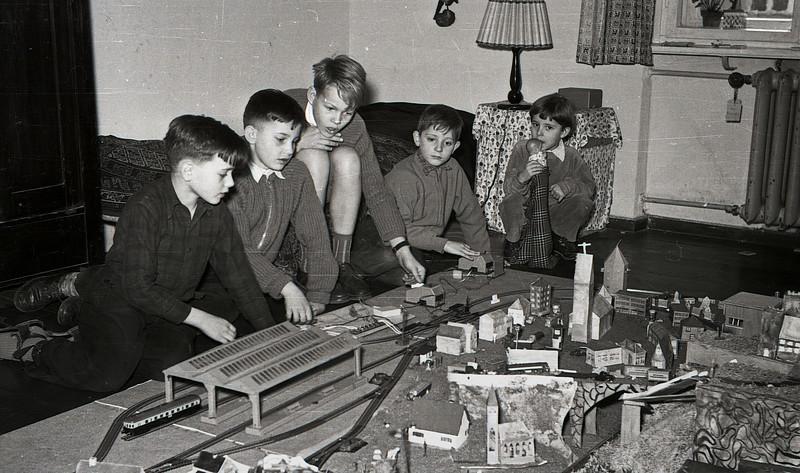 Eisenbahnanlage Klingsorstr. 54 - Weihnachten 1954