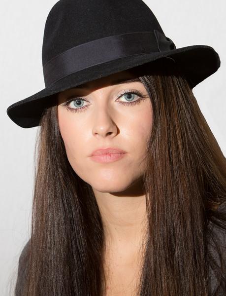 Alanna_hat1.jpg