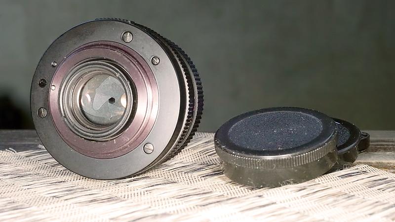 flektogon 35 2,4 m42 w. praktica lot (9).JPG