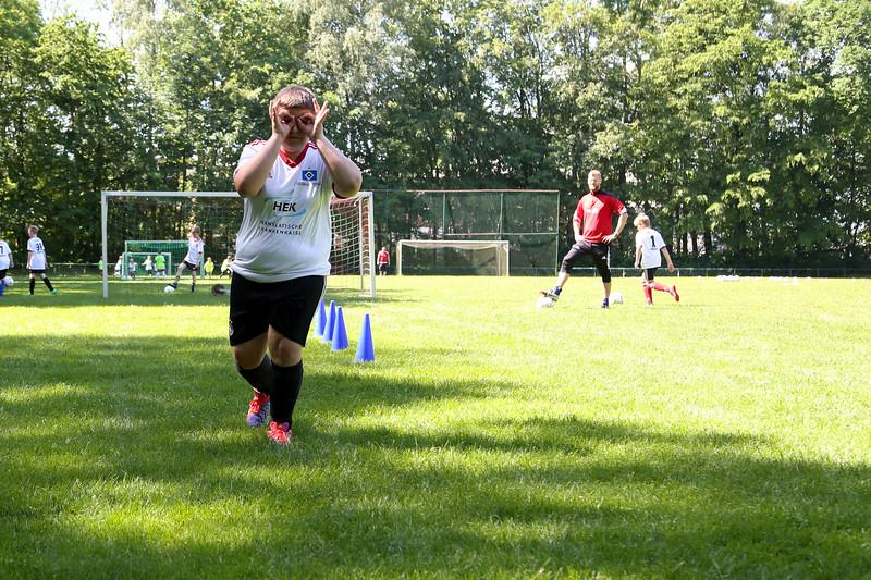 hsv_fussballschule-325_48047995223_o.jpg
