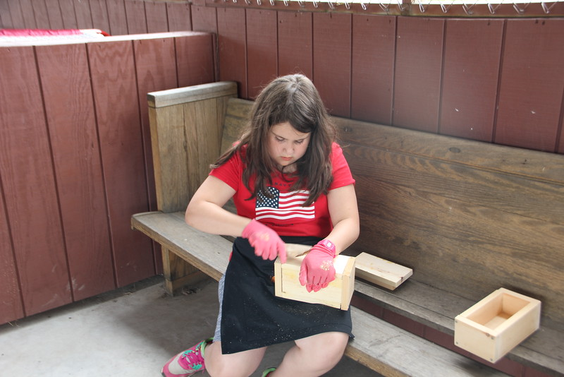 kars4kids_thezone_camp_GirlDivsion_workshops_WoodWorking (48).JPG