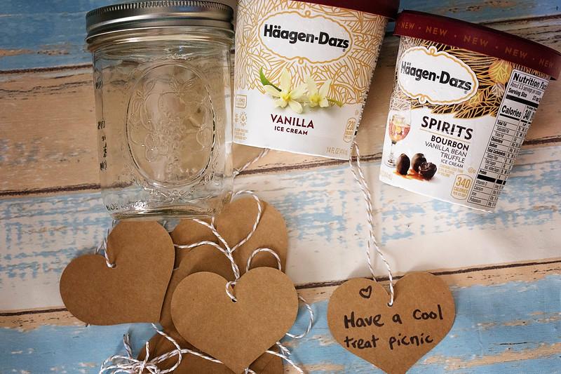 make a summer bucket list jar for the best summer ever
