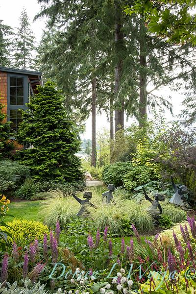Whit & Mary Carhart garden_6194.jpg