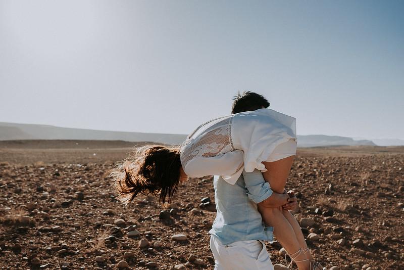 Tu-Nguyen-Destination-Wedding-Photographer-Morocco-Videographer-Sahara-Elopement-138-11.jpg