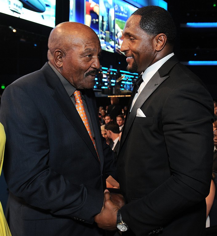 . Jim Brown, left, and Ray Lewis speak in the audience at the ESPY Awards on Wednesday, July 17, 2013, at the Nokia Theater in Los Angeles. (Photo by Jordan Strauss/Invision/AP)