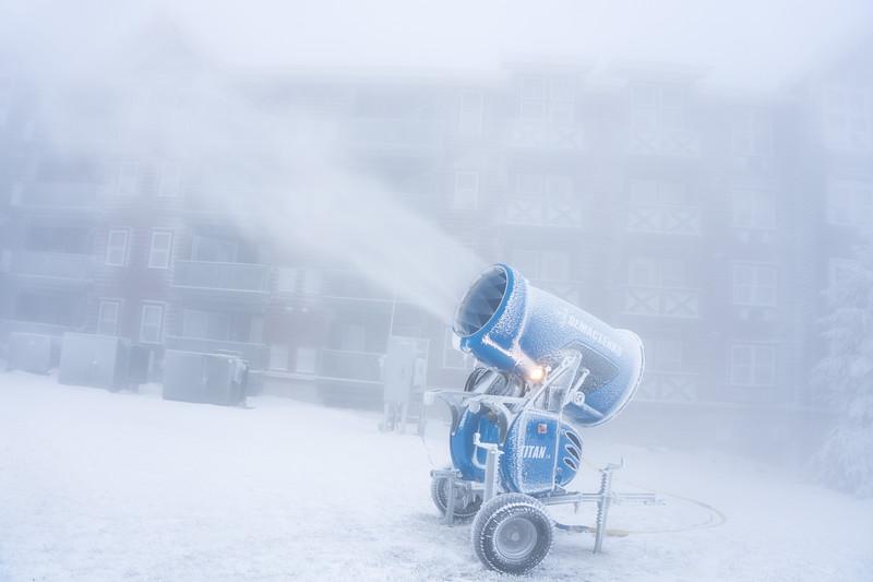 Snowmaking-03430.jpg
