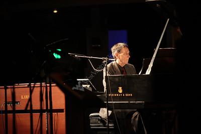28220 Steinway concert