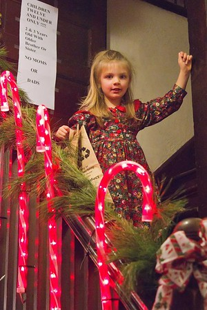 12-02-11-Joy of All Who Sorrow Church World Christmas Market