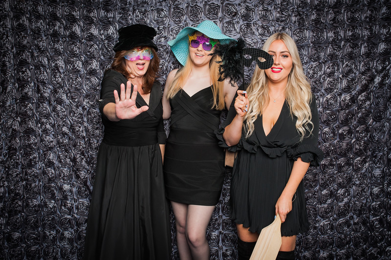 Lynn + Nancy Photobooth-29.jpg