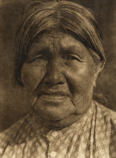 A Yaudanchi Yokuts woman (The North American Indian, v. XIV. Norwood, MA, The Plimpton Press, 1924)