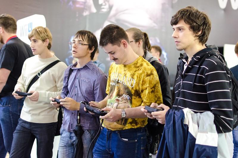 Wii U gamers at Igromir 2012