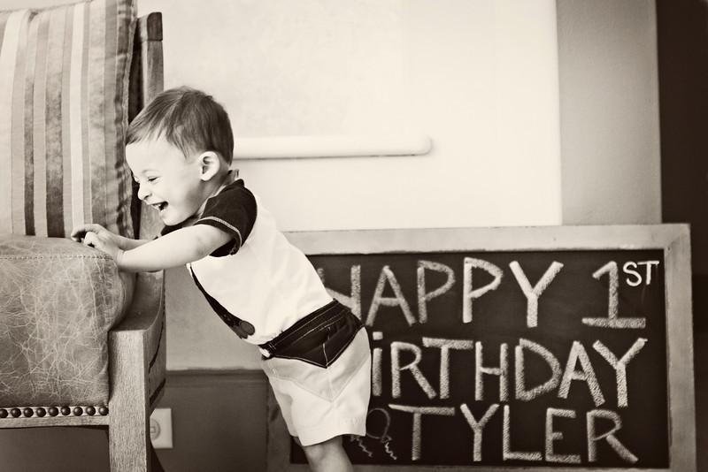 Tyler 1 102B&W.jpg