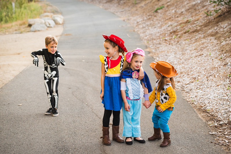 Halloween 2019 Paris Cousins-9490.jpg