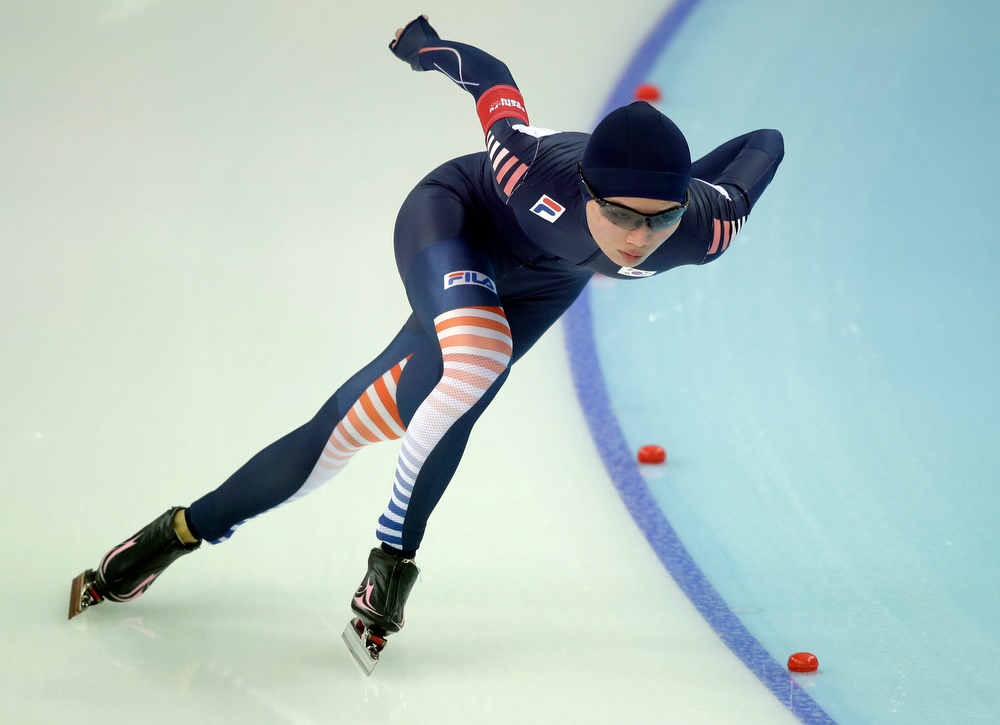 . South Korea\'s Park Seung-ju competes in the first heat of the women\'s 500-meter speed skating race at the Adler Arena Skating Center at the 2014 Winter Olympics, Tuesday, Feb. 11, 2014, in Sochi, Russia. (AP Photo/Patrick Semansky)