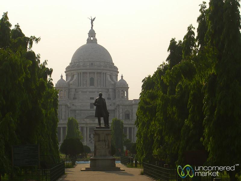 Walking Up to Victoria Monument - Kolkata, India